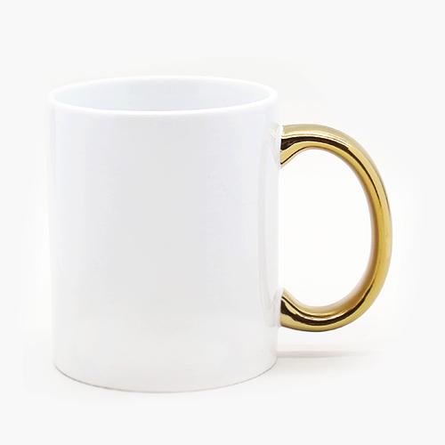 Чашка белая с золотой ручкой